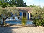 Régusse, charmante villa avec piscine sur 1022 m2 de terrain arboré. 2/17