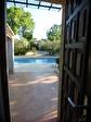 Régusse, charmante villa avec piscine sur 1022 m2 de terrain arboré. 13/17