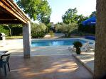 Régusse, charmante villa avec piscine sur 1022 m2 de terrain arboré. 14/17