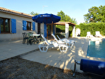 Régusse, charmante villa avec piscine sur 1022 m2 de terrain arboré. 16/17