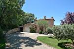 AIGUINES, au pied du lac de st croix superbe villa sur 4200 m2. 6/12