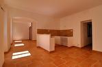 AUPS, bel appartement lumineux de type T4  . 2/4