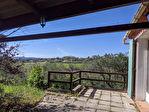 SOUS COMPROMIS - AUPS, maison sur 5700 m2 de terrain avec jolie vue. 1/8