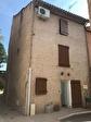 TAVERNES, maison de village  sur 3 niveaux. 6/6