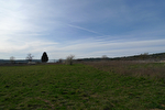 TAVERNES, beau terrain plat proche village. 3/3