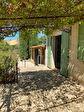 Régusse, Charmante maison de plain pied sur 2250 m² de terrain arboré. 2/7