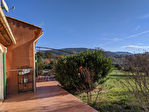 AUPS, Charmante villa au calme sur 2550 m2 de terrain. 10/12