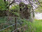 Creuse.  Montboucher.  2 grandes ruines en pierre plus un petit  maison pour une restauration complète sur un terrain de 957m2. 3/5