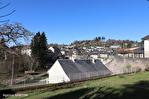 CORREZE.  Ville de Corrèze.  Maison en pierre avec une vue magnifique, 6 chambres (ou 4 et un appartement séparé). Grand garage et atelier. Jardins de 1,256m2 3/18