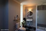 CORREZE.  Ville de Corrèze.  Maison en pierre avec une vue magnifique, 6 chambres (ou 4 et un appartement séparé). Grand garage et atelier. Jardins de 1,256m2 15/18