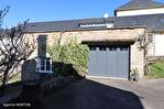 CORREZE.  Ville de Corrèze.  Maison en pierre avec une vue magnifique, 6 chambres (ou 4 et un appartement séparé). Grand garage et atelier. Jardins de 1,256m2 18/18