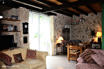 Lot, proche de  Puy l'Évêque,  Une jolie maison de village de 3 chambres, une grange attenante et un Gite séparé de 1 lit. 6/18