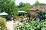Lot, proche de  Puy l'Évêque,  Une jolie maison de village de 3 chambres, une grange attenante et un Gite séparé de 1 lit. 13/18