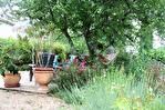 Lot, proche de  Puy l'Évêque,  Une jolie maison de village de 3 chambres, une grange attenante et un Gite séparé de 1 lit. 17/18