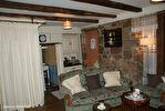 DORDOGNE.  Villac.  Grande maison à vendre sur la place de l'église  dans le  beau village en pierre rouge  de Villac 7/18