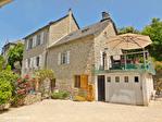 Correze. Treignac.  Superbe maison en pierre avec 4 chambres, garage et jardins de 1140m2. 1/18