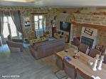 Correze. Treignac.  Superbe maison en pierre avec 4 chambres, garage et jardins de 1140m2. 4/18