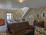 Correze. Treignac.  Superbe maison en pierre avec 4 chambres, garage et jardins de 1140m2. 5/18