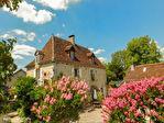LOT.  Cavagnac.  Magnifique maison en pierre avec 3 chambres, 3 gites spacieux en pierre, grange et piscine. 1/18