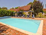 LOT.  Cavagnac.  Magnifique maison en pierre avec 3 chambres, 3 gites spacieux en pierre, grange et piscine. 5/18