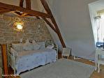 LOT.  Cavagnac.  Magnifique maison en pierre avec 3 chambres, 3 gites spacieux en pierre, grange et piscine. 16/18