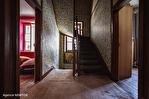 Correze. Segur-le-Château. Maison en pierre datant de 1911 sur le bord de la rivière Auvezere. 13/18