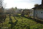 Charente (16).  Exideuil sur Vienne.  Maison d'une chambre avec grange attenante.  Un potentiel énorme ! 3/12