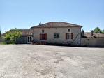 LOT ET GARONNE .  PRES PENNE D'AGENAIS   Ferme en pierre avec 4 chambres, dependants, 5 hectares 6/18