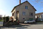 DORGOGNE. MIALET.  Fantastique maison familiale de quatre chambres avec un grand jardin et un parking hors route près du centre du villageMaison Mialet 7 pièce(s) 101 m2 1/10