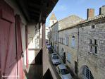 TARN ET GARONNE.  LAUZERTE   Maison au village avec 2 chambres, balcon et grange à renover attenante 16/18