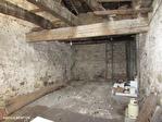 TARN ET GARONNE.  LAUZERTE   Maison au village avec 2 chambres, balcon et grange à renover attenante 17/18