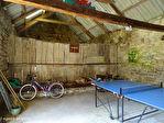 COTES D'ARMOR - MAEL-PESTIVIEN - Grande maison de 5 chambres avec dépendances à rénover. 16/18