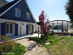 FINISTERE-SCAER- Une superbe maison individuelle de 5 chambres, avec une piscine couverte chauffée au centre de la ville. 17/18