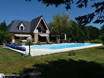 CORREZE. Eyrein. Maison d'architecte avec piscine et 27,940m2 de terrain bordant une rivière. 1/18