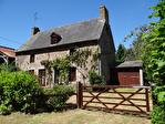 Frontière Ille et Vilaine / Manche - près de Pontorson - Belle maison en pierre avec 3 chambres, une grange en pierre et un gîte séparé à rénover sur 1 acre de terrain. 1/18