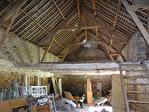 Frontière Ille et Vilaine / Manche - près de Pontorson - Belle maison en pierre avec 3 chambres, une grange en pierre et un gîte séparé à rénover sur 1 acre de terrain. 15/18
