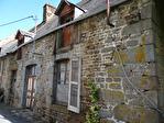 Frontière Ille et Vilaine / Manche - près de Pontorson - Belle maison en pierre avec 3 chambres, une grange en pierre et un gîte séparé à rénover sur 1 acre de terrain. 17/18