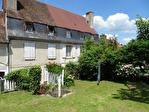 HAUTE-VIENNE (87).  SAINT-YRIEIX-LA-PERCHE.  Superbe maison de ville de cinq chambres avec jardin privé et potentiel d'un revenu 14/15