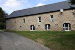 CORREZE. St Hilaire les Courbes.  Merveilleuse grange en pierre convertie avec 2 chambres, plus d'espace pour la conversion et plus de 1 hectare de beau terrain. 2/18