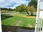 Située aux portes de Cognac dans un paysage de vignes, superbe plain-pied en excellent état comprenant : 15/18