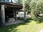 Maison charentaise à moderniser, située dans un parc proche de Jarnac 4/18