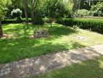 Pavillon sur sous-sol semi enterré à mettre au goût du jour et rénover, situé dans un environnement agréable 3/18