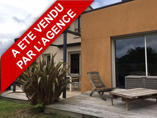 Maison Plougoumelen 8 pièce(s) 180 m2