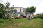 COMMERCES A PIEDS POUR CETTE TRES BELLE MAISON DE 152 m² 1/7