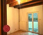 EXCLU : FLEURIEUX, Maison de 102 m² avec cour 5/7