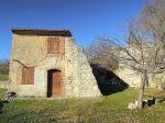 A Gordes maison récente et ancien moulin vendus en vente à terme occupée 11/13
