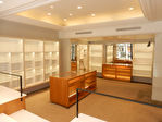 Avenue Victor Hugo - Local commercial  149 m² +  cave  19,80 m² 4/11