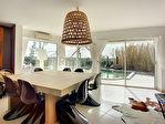 Maison d'architecte 7 pièce(s) 318 m2 terrain 3947 m2 6/9