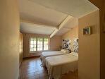 Superbe villa de 226 m² avec 5 chambres et piscine 13/18