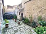 Quartier historique de Blois bénéficiant d'une cour privative 4/6
